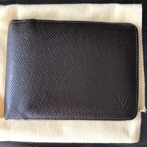 Louis Vuitton Multiple Wallet in Taiga Leather